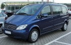 Mercedes_Viano_2.2_Trend_(W639)_front_20100630